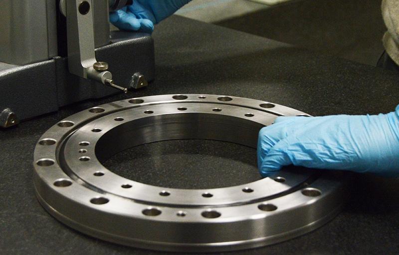Misurazione con altimetro digitale cuscinetto di precisione a rulli cilindrici incrociati